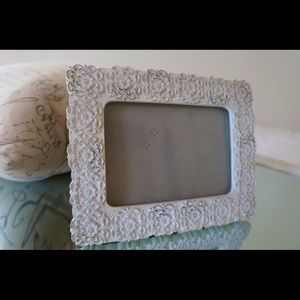 5X7 White Flower Picture Frame - $10